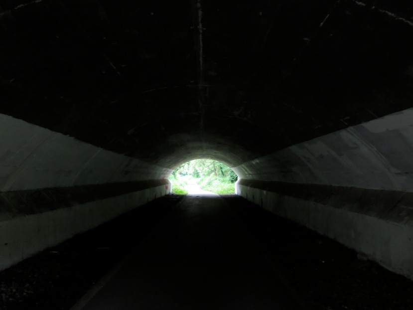 Light, end, tunnel